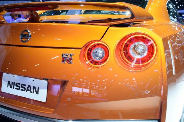 スポーツカー 中古 GTR